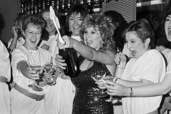 Page 3 model Samantha Fox opens her champagne bar, London, 1986.